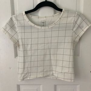 ME TO WE GRAPHIC CROPPED TEE